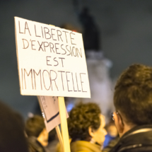 Paris : Rassemblement citoyen pacifique en hommage à l'attentat