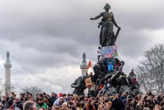 Paris : des milliers de manifestants contre la loi travail