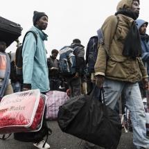 Calais : Début du démantèlement de la Jungle