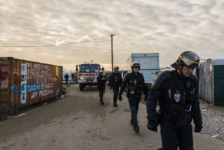 Calais : Deuxième jour du démantèlement de la Jungle