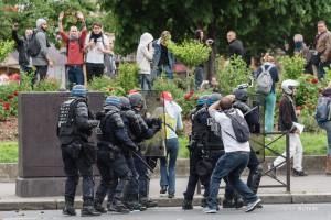 Paris - Nouveau rassemblement anti-loi Travail -020